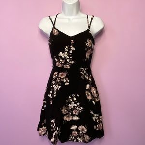 Garage floral dress xs with pockets